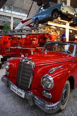 DE05638 Germany, Rheinland-Pfalz, Speyer,Technik Museum Speyer, aviation and technology display gallery, 1950s-era Mercedes 300 car