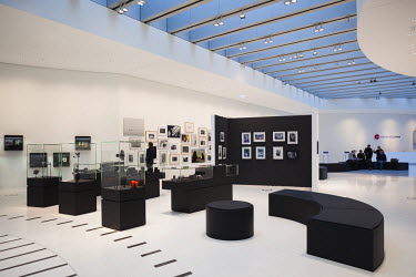 DE05664 Germany, Hesse, Wetzlar, Headquarters of the Leica Camera Company, opened in 2014, interior galleries