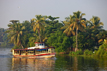 HMS0302505 India, Kerala State, Allepey, the backwaters, a public ferry linking the villages along the canals