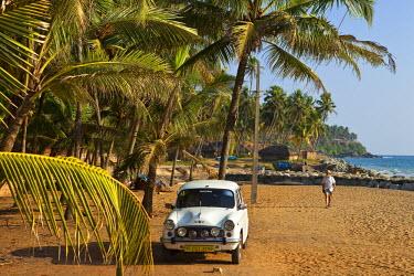 HMS0302612 India, Kerala State, Varkala, Ambassador taxi on Odayam Beach a few kilometers south