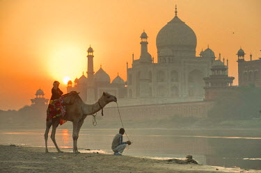 HMS0344829 India, Uttar Pradesh State, Agra, Taj Mahal listed as World Heritage by UNESCO