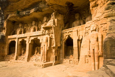 HMS0443290 India, Madhya Pradesh State, Gwalior, ja�n caves 15th century