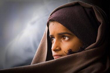 HMS0443293 India, Madhya Pradesh State, Orchha, girl