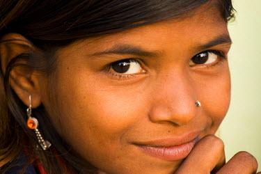 HMS0443300 India, Madhya Pradesh State, Orchha, girl
