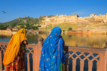 HMS1853919 India, Rajasthan State, hill fort of Rajasthan listed as World Heritage by UNESCO, Jaipur, Amber Palace or Amber Fort and lake Maotha