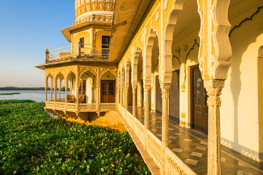 HMS1854239 India, Rajasthan State, Kishangarh, the Phool Mahal Palace on the shore of Gundalao Lake, constructed in 1870, served as the royal palace of the Kishangarh Maharaja and has now been converted into a c...