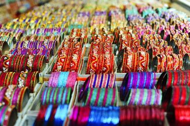 HMS1899896 India, Bihar state, Patna, Sonepur, colorful bracelets for sale