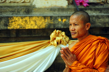 HMS1899908 India, Bihar state, Bodh Gaya, listed as World Heritage by UNESCO, Mahabodhi Temple Complex (Great Awakening Temple), Buddhist temple where Siddhartha Gautama, the Buddha, attained enlightenment, monk...