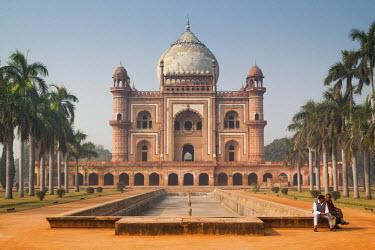 HMS1932834 India, New Delhi, Safdarjung's Tomb, view over the garden tomb