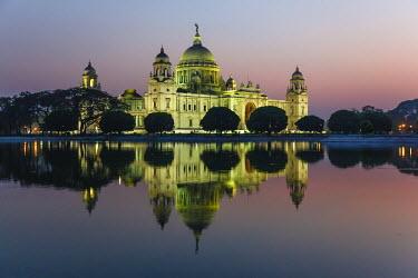 HMS1972513 India, West Bengal, Calcutta (Kolkata), Victoria memorial at sunset