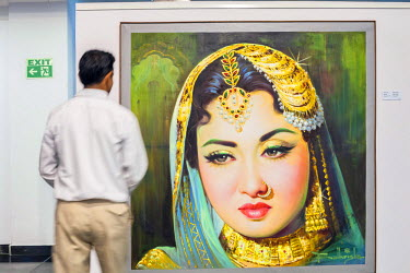 HMS2025260 India, New Delhi, Rajpath, National Gallery of Modern Art (NGMA) opened in 1954, picture of actress Meena Kumari by Balkrishna Arts