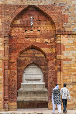 HMS2025272 India, New Delhi, Qutab Minar complex listed as World Heritage by UNESCO, the tomb of Shams-ud-din Iltutmish from the early 13th century