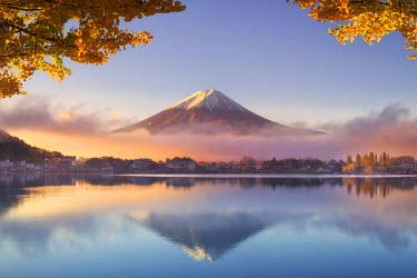 JP03585 Japan, Fuji - Hakone - Izu National Park, Mt Fuji and Kawaguchi Ko Lake