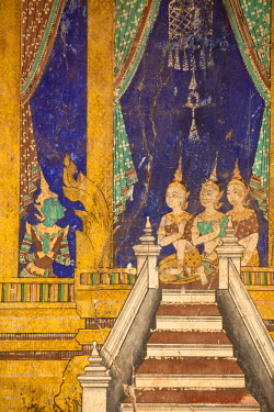 CM02112 Cambodia, Phnom Penh, Royal Palace, Silver Pagoda, Frescoes paintings in the courtyard