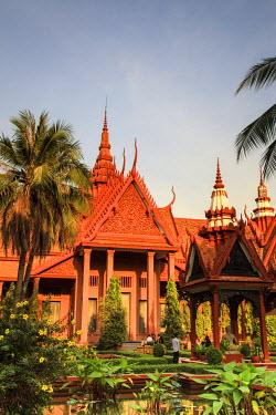 CM02117 Cambodia, Phnom Penh, National Museum
