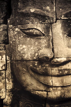CM02067 Cambodia, Temples of Angkor (UNESCO site), Bayon, smiling face of Avalokiteshvara