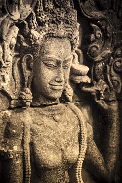 CM02069 Cambodia, Temples of Angkor (UNESCO site), Bayon, Apsara nymph