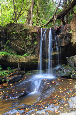 CM02077 Cambodia, Temples of Angkor (UNESCO site), Kbal Spean, waterfall