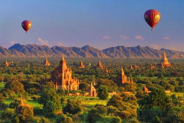 BM01361 Myanmar (Burma), Temples of Bagan (Unesco world Heritage Site)