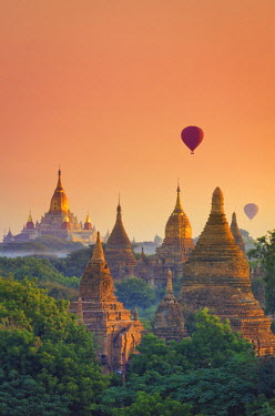 BM01380 Myanmar (Burma), Temples of Bagan (Unesco world Heritage Site), Ananda Temple