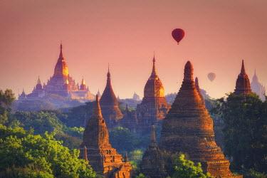 BM01381 Myanmar (Burma), Temples of Bagan (Unesco world Heritage Site), Ananda Temple