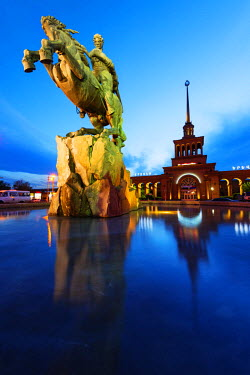 ARM0083 Eurasia, Caucasus region, Armenia, Yerevan, train station square, statue of Sasuntsi David by Yervand Qochar