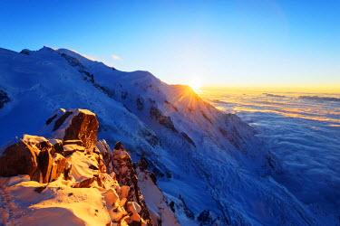 FRA8668 Europe, France, Haute Savoie, Rhone Alps, Chamonix, Mont Blanc (4810m), sunset