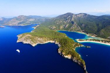 TUR0503 Turkey, Mediterranean, Aegean Turquoise coast, Oludeniz near Fethiye, Blue Lagoon & Belcekiz beach