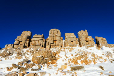 TUR0689 Turkey, Eastern Anatolia, Nemrut Dagi (Mount Nemrut),  UNESCO, Antiochos Sanctuary, eastern terrace