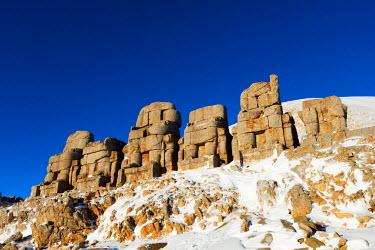 TUR0690 Turkey, Eastern Anatolia, Nemrut Dagi (Mount Nemrut),  UNESCO, Antiochos Sanctuary, eastern terrace