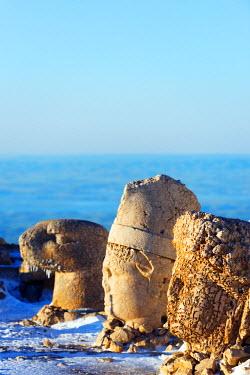 TUR0691 Turkey, Eastern Anatolia, Nemrut Dagi (Mount Nemrut),  UNESCO, Antiochos Sanctuary, eastern terrace