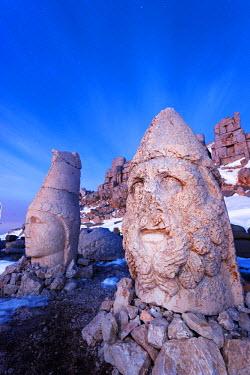 TUR0698 Turkey, Eastern Anatolia, Nemrut Dagi (Mount Nemrut),  UNESCO, Antiochos Sanctuary, eastern terrace, Head of Apollon and Zeus Oromasdes