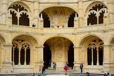 POR8269AW The Cloisters of the Jeronimos Monastery (Mosteiro dos Jeronimos), a UNESCO World Heritage Site. Lisbon, Portugal
