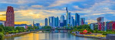 DE07050 Germany, Hessen, Frankfurt Am Main, River Main, City Skyline