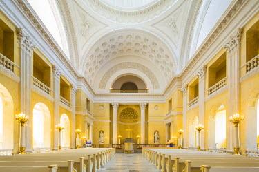 DEN0206AW Denmark, Hovedstaden, Copenhagen. The neo-classical interior or Christansborg Palace Chapel.