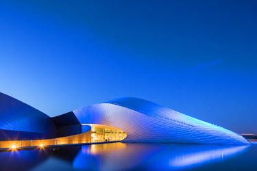 DEN0245AW Denmark, Hovedstaden, Copenhagen, Kastrup. The Blue Planet or National Aquarium Denmark opened in March 2013 and was designed by 3XN Architects. The striking architecture is inspired by the currents o...