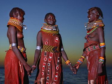 KEN10021AW Turkana women,Loyangalani, Turkana, Kenya, Africa