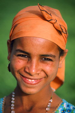 HMS0236289 Egypt, Lower Egypt, Saqqara, portrait of a teenage girl