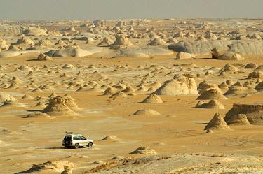 HMS0238984 Egypt, Upper Egypt, Libyan Desert, the new white desert