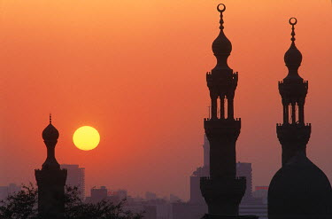 HMS0072226 Egypt, Cairo, minarets of Hassan mosque by sunrise