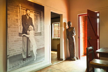 HMS0374518 South Africa, Gauteng Province, Johannesburg, Mandela House Museum, house where lived for many years Nelson Mandela in the township, entrance