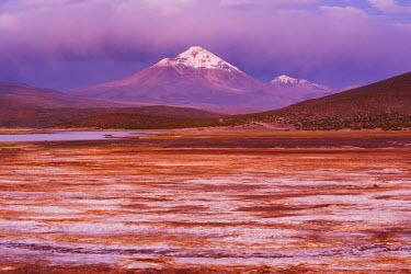 NIS25864 Volcano Isluga on the Altiplano in northern Chile near the Bolivian border, Chilean Andes, Chile, South America, Chile, Norte Grande