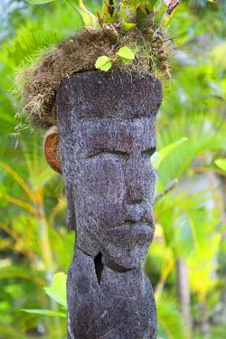 FIJ1030AW Carved statue in The Warwick Hotel, Coral Coast, Viti Levu, Fiji (PR)