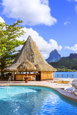 FPO0079AW Bungalow and swimming pool in a luxury resort, Cook's bay, Moorea, French Polyesia