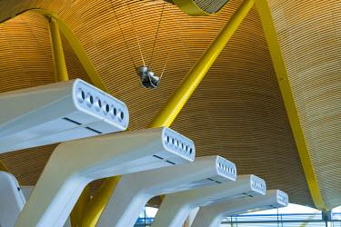 ES01175 Spain, Madrid, Adolfo Suarez Madrid-Barajas Airport, international terminal architectural detail