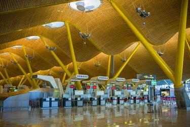 ES01176 Spain, Madrid, Adolfo Suarez Madrid-Barajas Airport, international terminal check in area