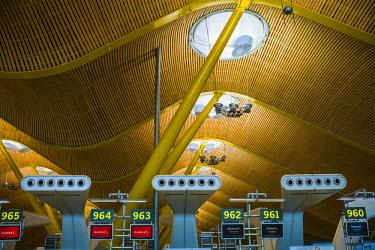 ES01177 Spain, Madrid, Adolfo Suarez Madrid-Barajas Airport, international terminal architectural detail
