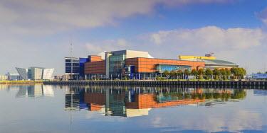 UK04024 United Kingdom, Northern Ireland, Belfast, View of the Titanic Belfast museum and SSE Arena