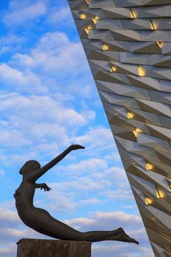 UK04061 United Kingdom, Northern Ireland, Belfast, View of the Titanic Belfast museum
