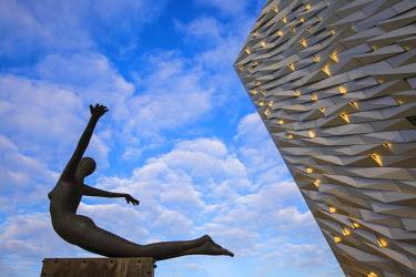 UK04064 United Kingdom, Northern Ireland, Belfast, View of the Titanic Belfast museum